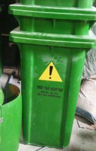 thùng rác 240 lít composite xanh